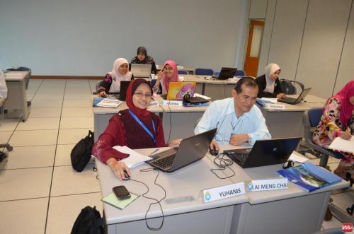 2012-06-05 Joomla Training @ INTAN Bukit Kiara (2)