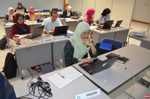 2012-06-05 Joomla Training @ INTAN Bukit Kiara (3)