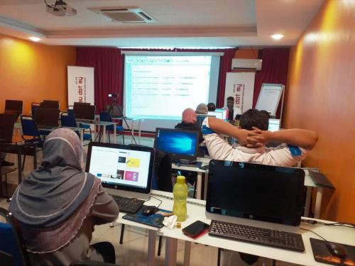 PHP MySQL Laravel Training