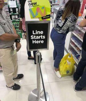 queue-line-mall-cebu-wordcamp