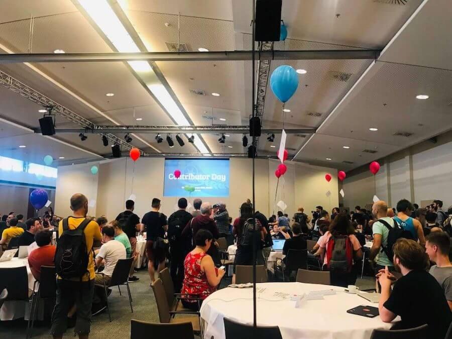 team-table-balloon-wceu-2019